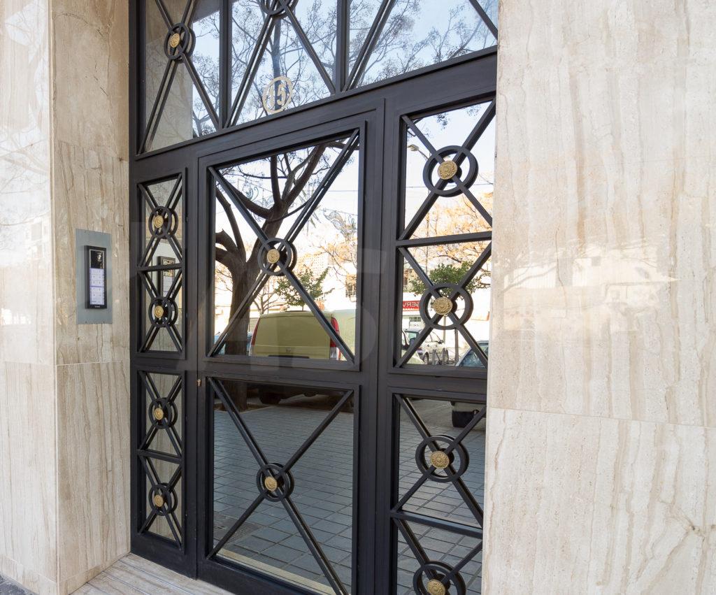 Puerta hierro exterior patio